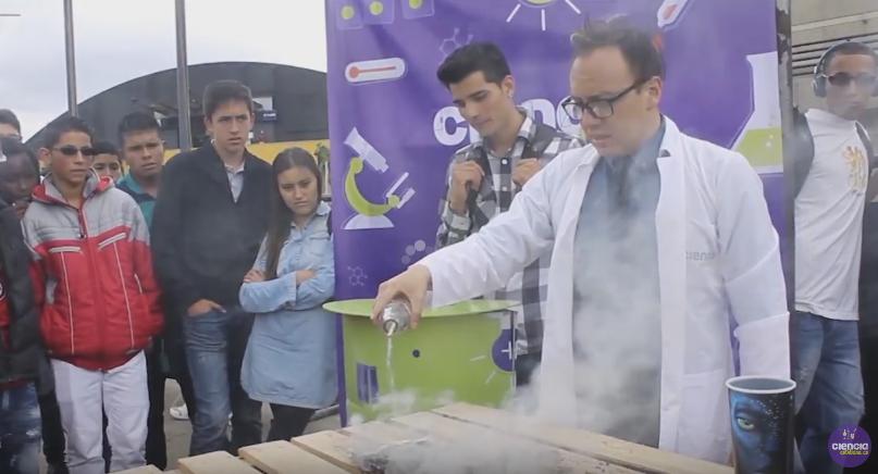 Fuego por arte de Ciencia